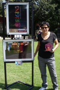Jessica Fernández con una de sus fotografías Fotografía: Ana Cureño